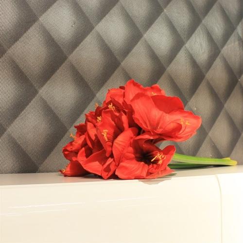 Амариллис 3 цветка и 1 бутон искусственный красный 75 см (real touch) - Фото 2