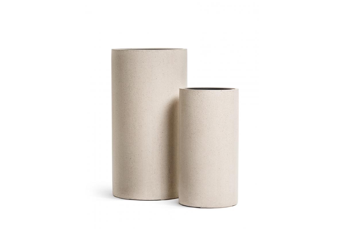 Кашпо TREEZ Effectory Beton высокий цилиндр белый песок от 60 до 80 см